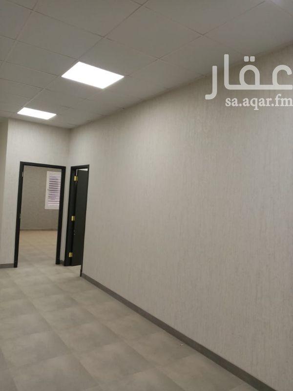 مكتب تجاري للإيجار في شارع رقم 374 ، حي النرجس ، الرياض ، الرياض