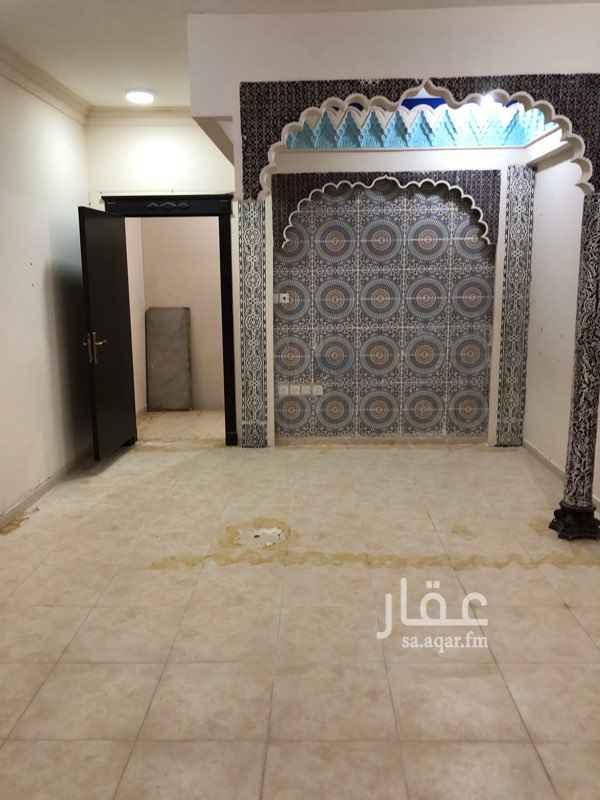 دور للإيجار في شارع سومطرة ، حي اليرموك ، الرياض