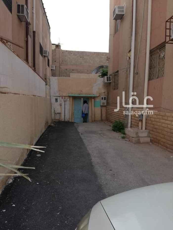 بيت للبيع في شارع ابن فلاح ، حي جرير ، الرياض