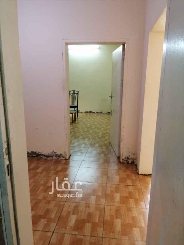 غرفة للإيجار في رابغ