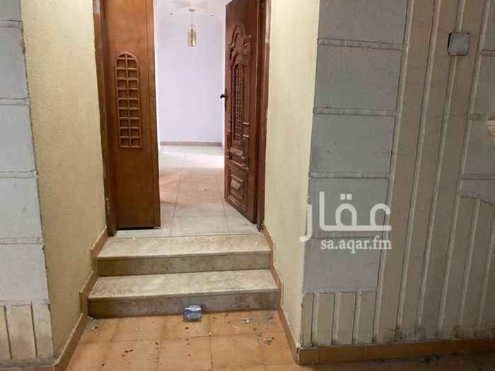 فيلا للإيجار في شارع انيسة بنت الحارث ، حي بدر ، الرياض