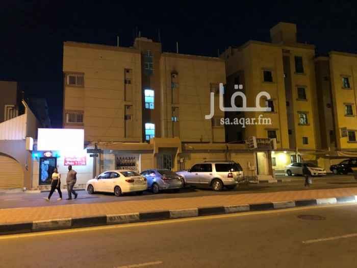 عمارة للبيع في شارع الربيع بن نافع ، حي المزروعية ، الدمام