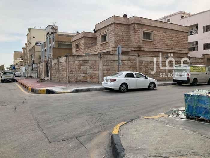 فيلا للبيع في شارع الحارث بن النعمان ، حي الطبيشي ، الدمام
