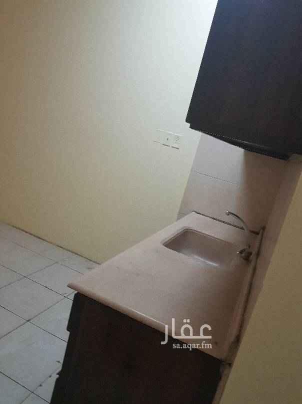 شقة للإيجار في شارع الامير نايف بن عبد العزيز ، حي البادية ، الدمام