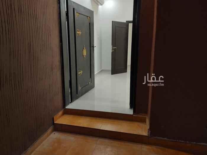 دور للإيجار في شارع الحارث ، حي الملقا ، الرياض