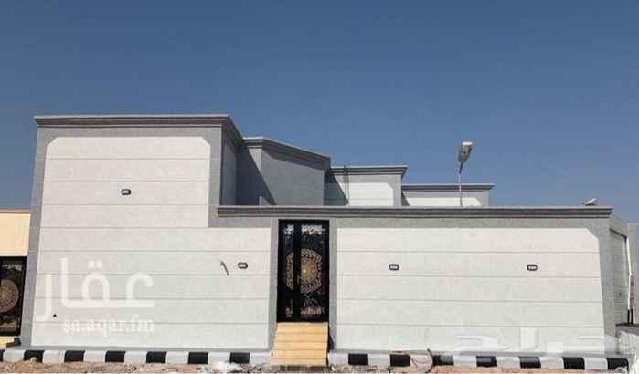 بيت للبيع في شارع الامير حمود بن عبدالعزيز ، حي الروضة ، حفر الباطن