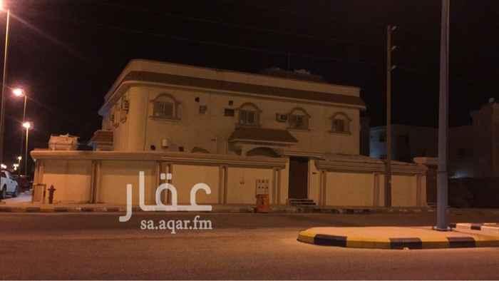 بيت للبيع في شارع الأمير محمد بن نايف بن عبدالعزيز ، حي العزيزية ، النعيرية