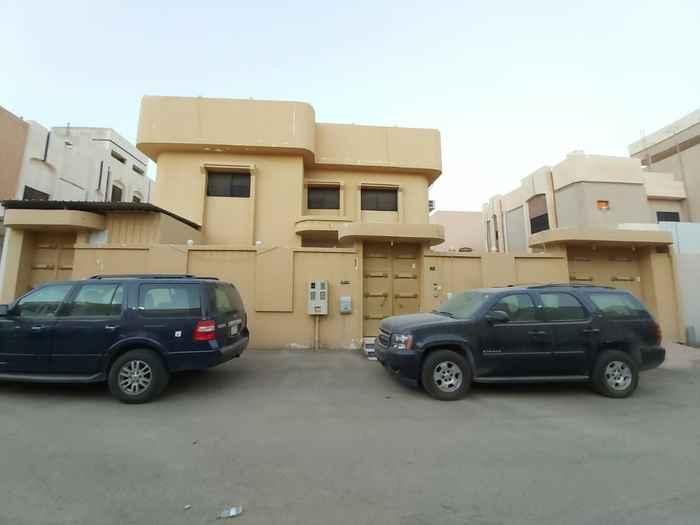 فيلا للبيع في شارع النصباء ، حي ظهرة البديعة ، الرياض ، الرياض