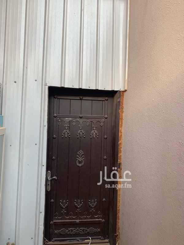 غرفة للإيجار في شارع عبدالله بن شهوين ، حي العقيق ، الرياض