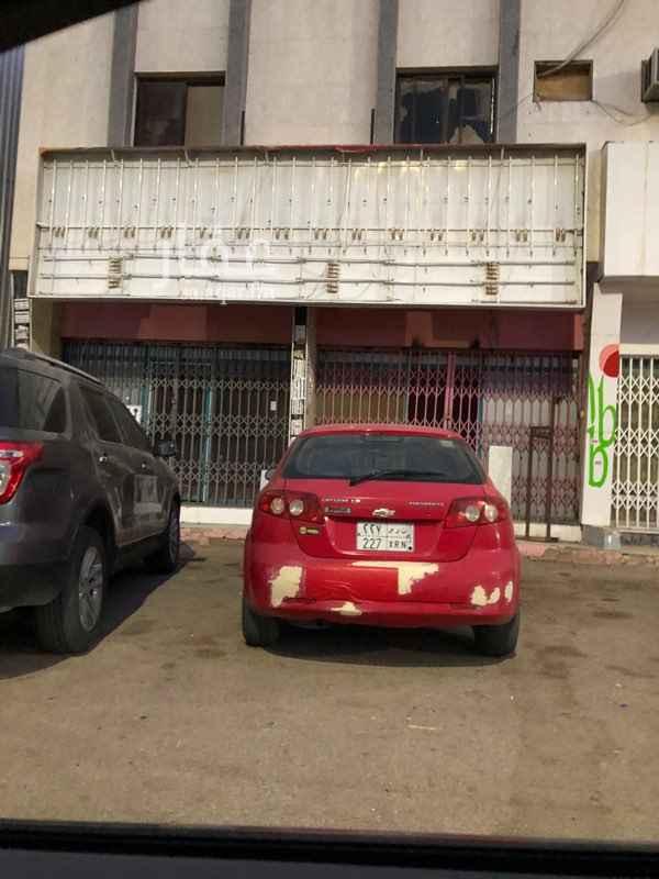 محل للإيجار في شارع حاتم الطائي ، حي الروضة ، الرياض ، الرياض