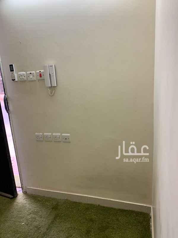 غرفة للإيجار في شارع ينبع ، حي ظهرة لبن ، الرياض ، الرياض