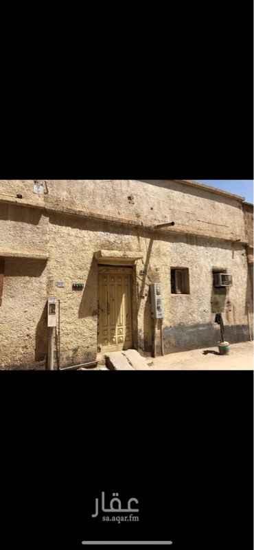 بيت للبيع في شارع الحراملة ، حي ثليم ، الرياض ، الرياض