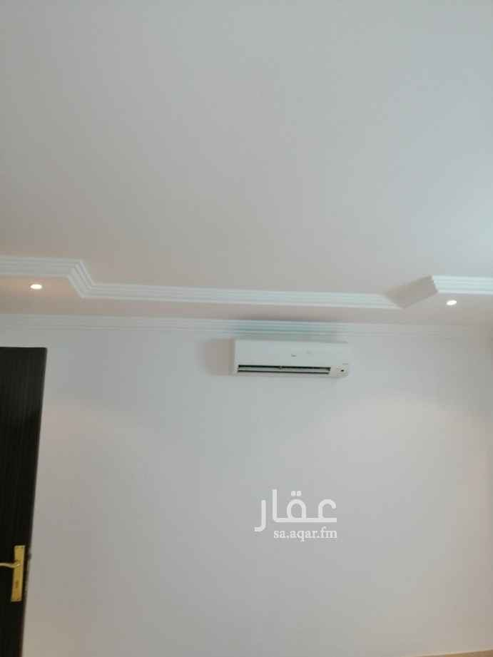 شقة للإيجار في شارع الحصير ، حي الملقا ، الرياض