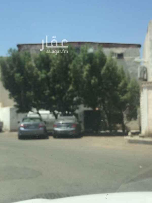 بيت للبيع في شارع احمد الفاسى ، حي بئر عثمان ، المدينة المنورة
