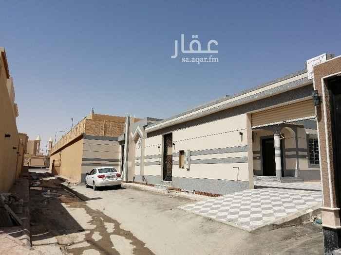 بيت للبيع في شارع أحمد الحفصي ، حي طويق ، الرياض
