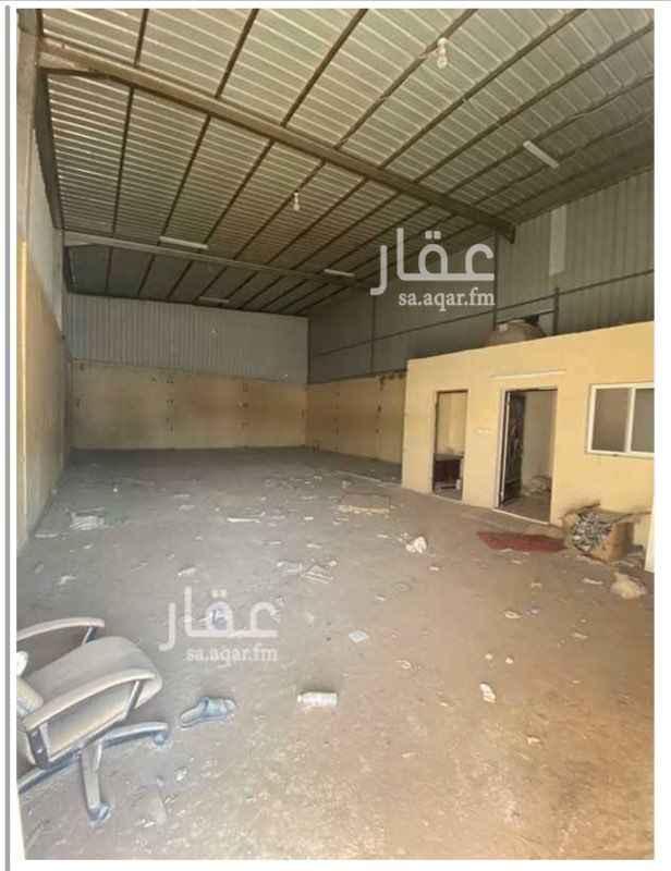 مستودع للإيجار في حي الرمال ، الرياض