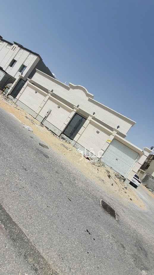 بيت للبيع في شارع أبو الحسن الحراني ، حي الجسر ، الخبر ، الخبر