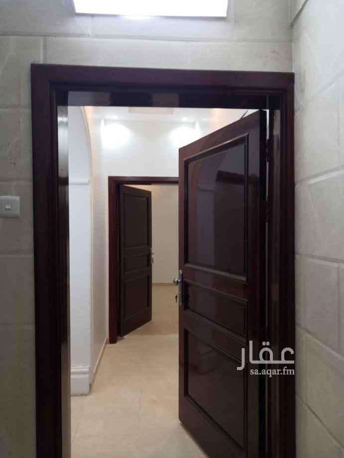 شقة للإيجار في شارع قيس بن عاصم ، حي العزيزية ، المدينة المنورة ، المدينة المنورة