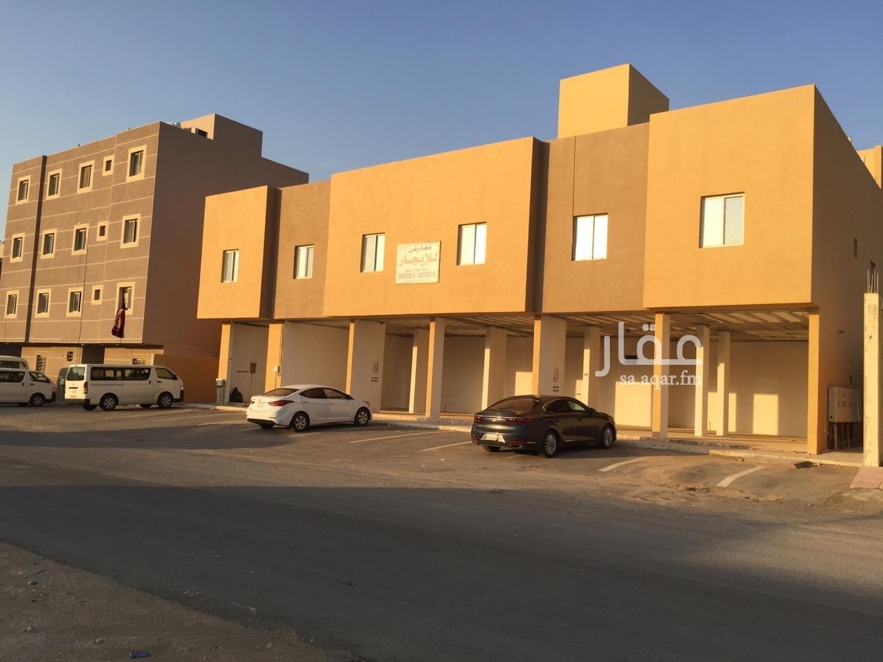 محل للإيجار في شارع العمارية ، حي القيروان ، الرياض