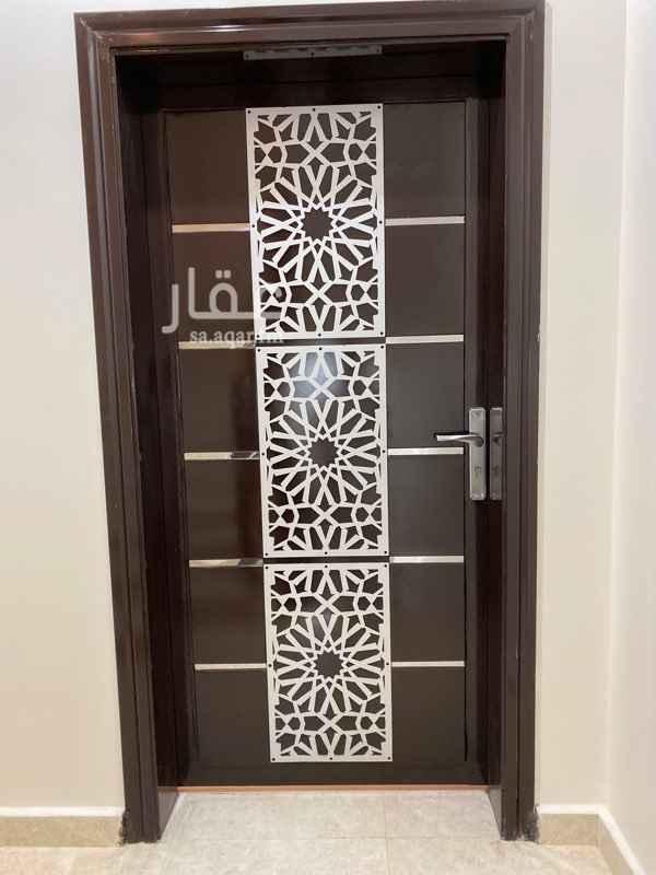 دور للإيجار في شارع رقم 241 ، الرياض