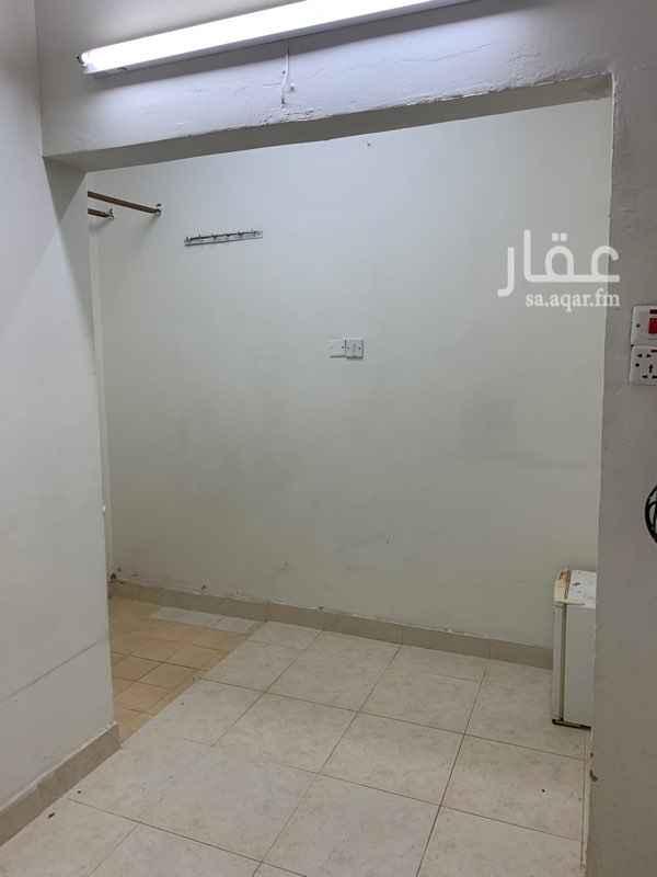 غرفة للإيجار في شارع عمرو بن شيبان ، حي شبرا ، الرياض ، الرياض
