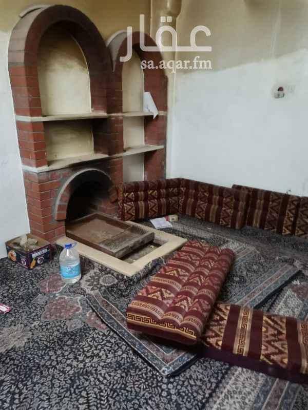 بيت للبيع في حي العزيزية ، حوطة سدير ، المجمعة