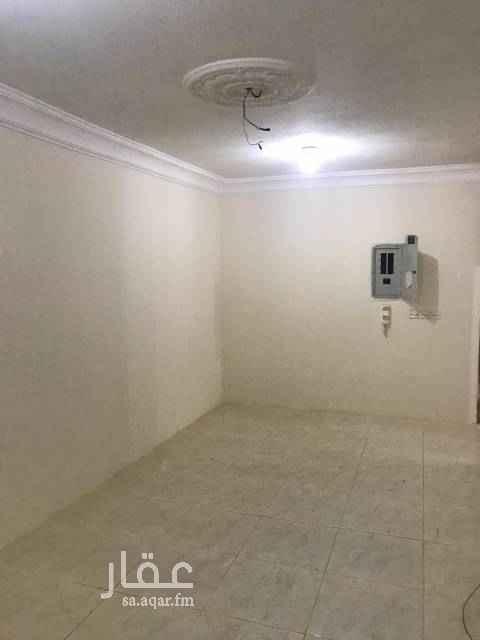 شقة للإيجار في شارع ابي الحرم المقدسي ، حي الضباط ، الرياض