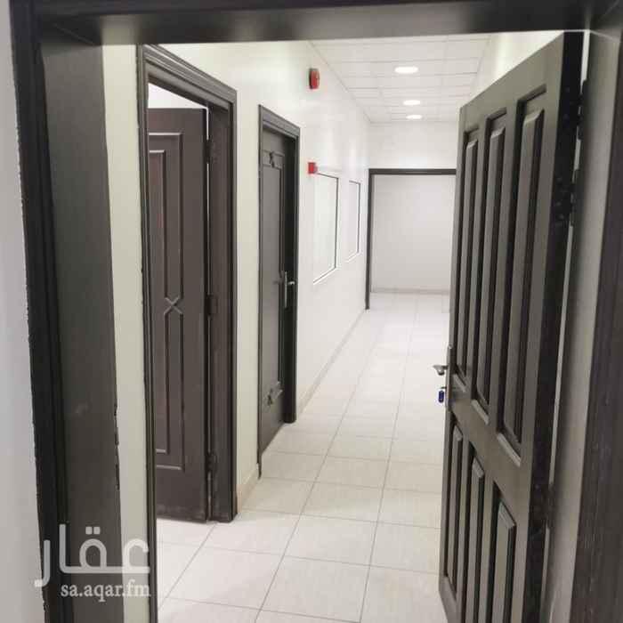 مكتب تجاري للإيجار في شارع ابي بكر الصديق الفرعي ، حي المرسلات ، الرياض ، الرياض