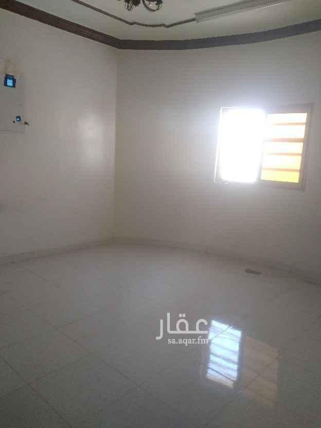 شقة للإيجار في شارع فهد المعشوق ، حي العزيزية ، الرياض