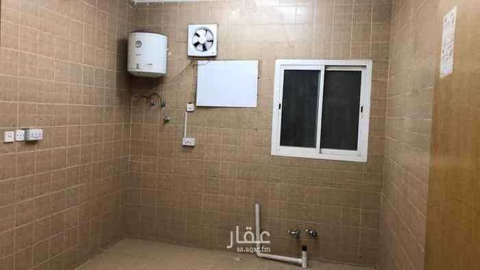 دور للإيجار في شارع الرقعي ، حي اشبيلية ، الرياض