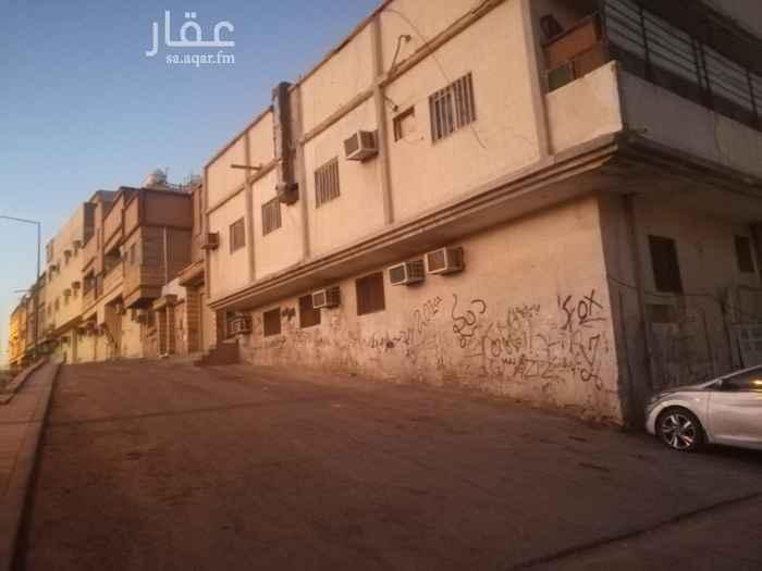 عمارة للبيع في شارع ال فريان الفرعي ، حي منفوحة ، الرياض ، الرياض