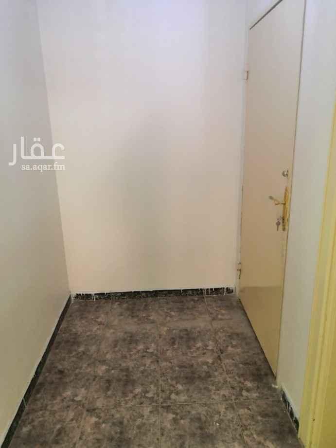 شقة للإيجار في شارع خلاد بن رافع ، حي العزيزية ، الرياض ، الرياض