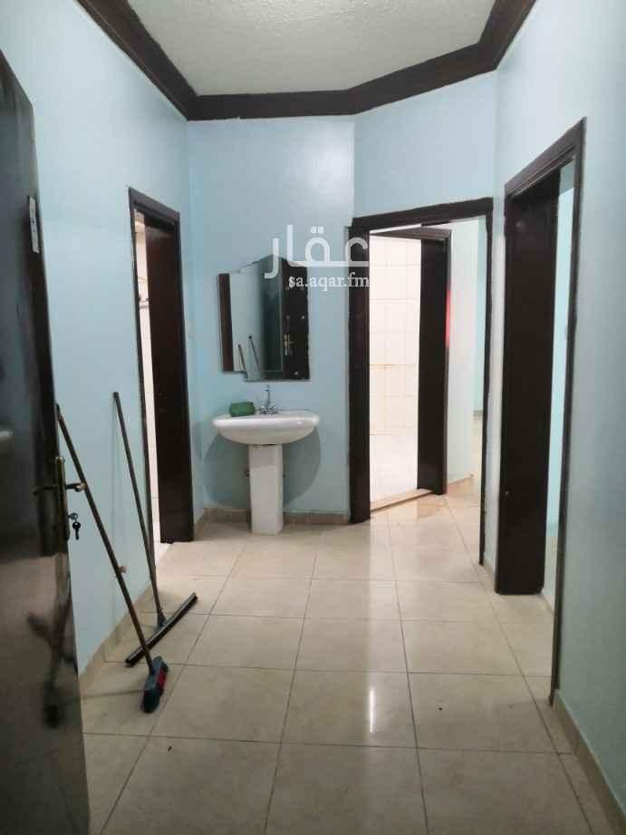 شقة للإيجار في شارع ابي الحسن الجهيري ، حي العزيزية ، الرياض ، الرياض