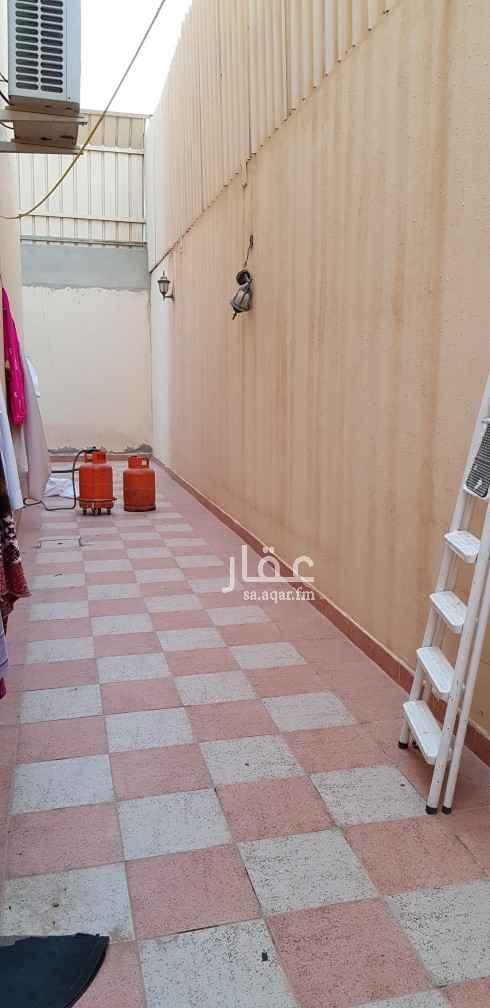 فيلا للإيجار في شارع علي الفزاري ، حي المونسية ، الرياض