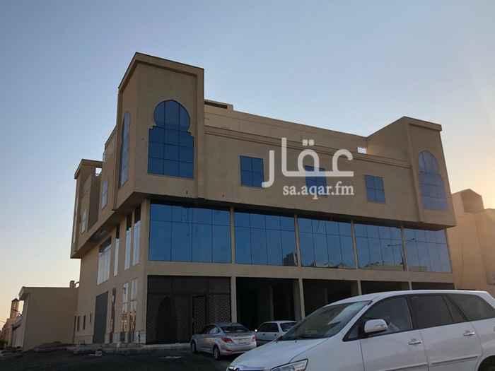 عمارة للبيع في شارع نهاوند ، حي ظهرة لبن ، الرياض
