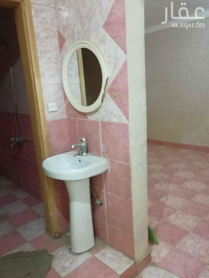شقة للإيجار في شارع الامير نواف بن عبدالعزيز ، حي أم الحمام الغربي ، الرياض
