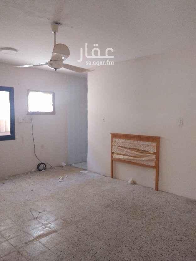 شقة للإيجار في شارع عنيزة ، حي الثقبة ، الخبر ، الخبر