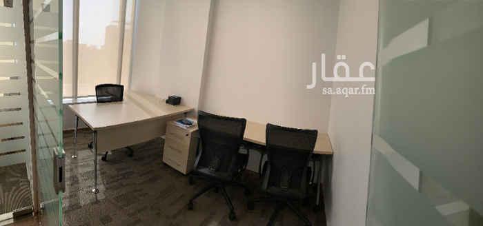 مكتب تجاري للإيجار في شارع الامير سلطان ، حي النعيم ، جدة