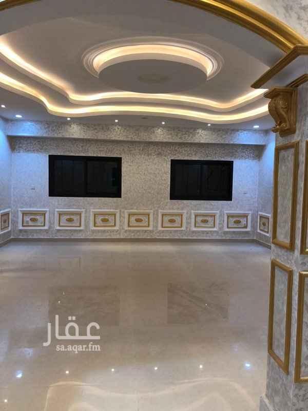فيلا للبيع في طريق الأمير محمد بن سعد بن عبدالعزيز ، حي القيروان ، الرياض