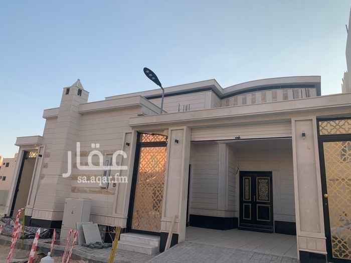 بيت للبيع في شارع المجد ، حي ظهرة لبن ، الرياض