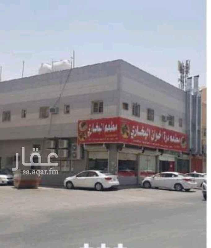 عمارة للبيع في شارع مسلمه بن عبدالملك ، حي سلطانة ، الرياض