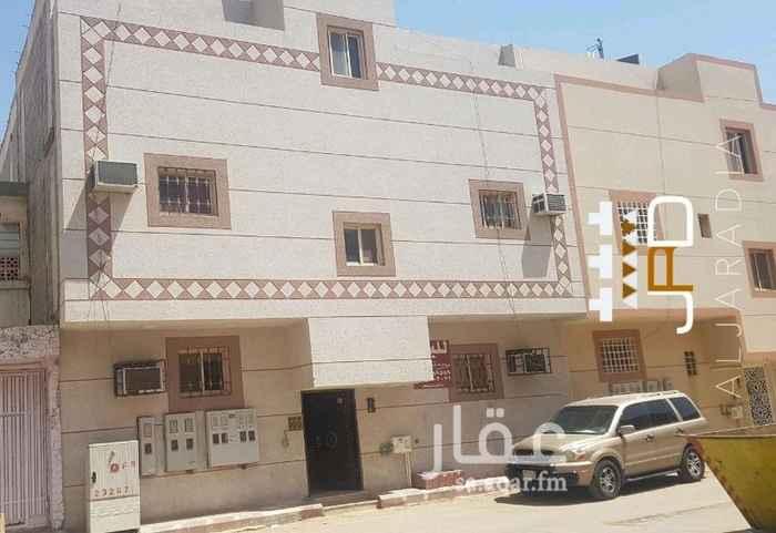 عمارة للبيع في شارع عبدالله التلمساني ، حي الجرادية ، الرياض