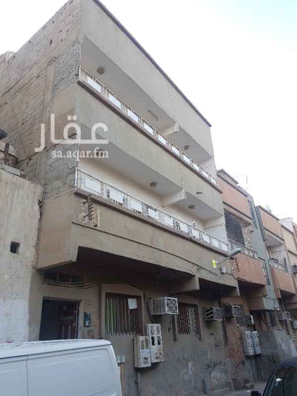 عمارة للبيع في شارع جبل طوالة ، حي منفوحة الجديدة ، الرياض