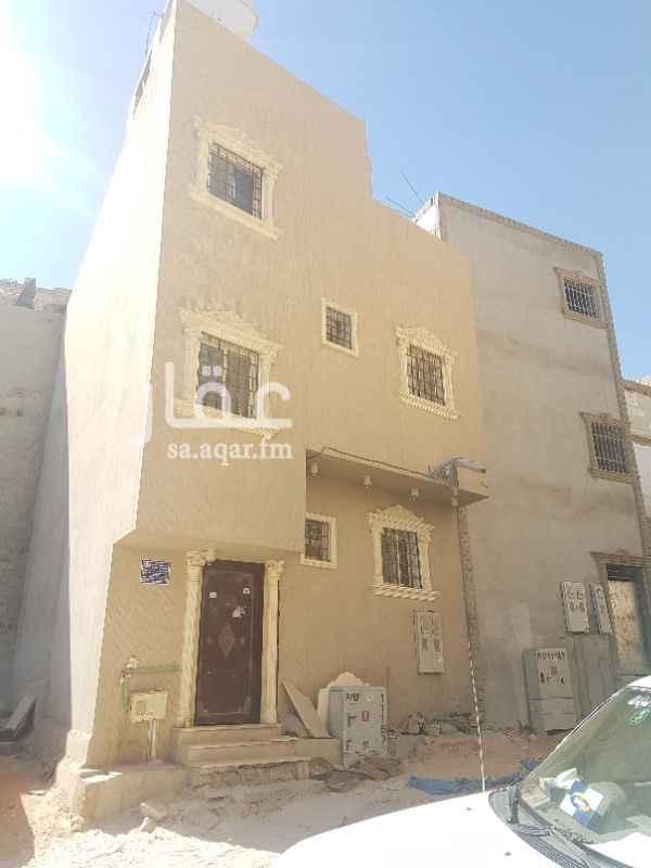 عمارة للبيع في شارع يونس بن عبدالملك ، حي ام سليم ، الرياض