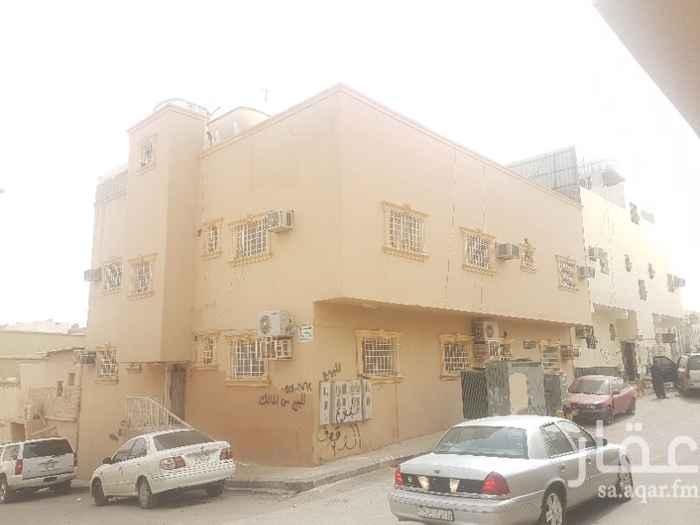 عمارة للبيع في شارع شريح الحجازي ، حي اليمامة ، الرياض