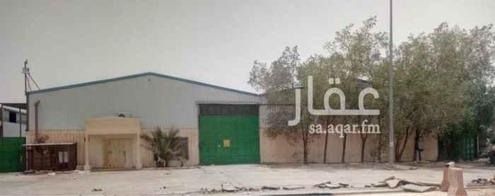 مستودع للإيجار في حي البرية ، الرياض