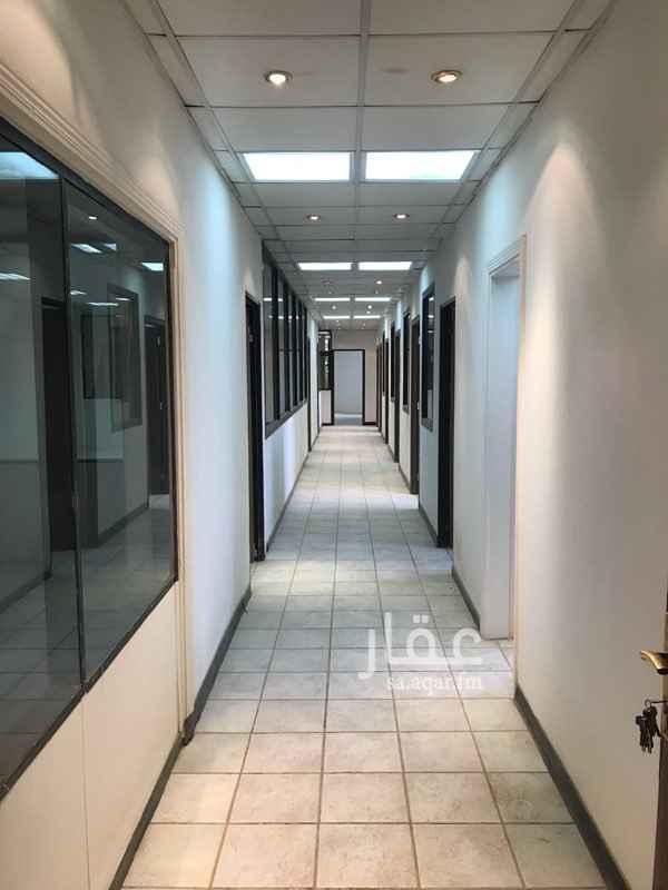 مكتب تجاري للإيجار في شارع الأمير عبدالعزيز بن مساعد بن جلوي, السليمانية, الرياض