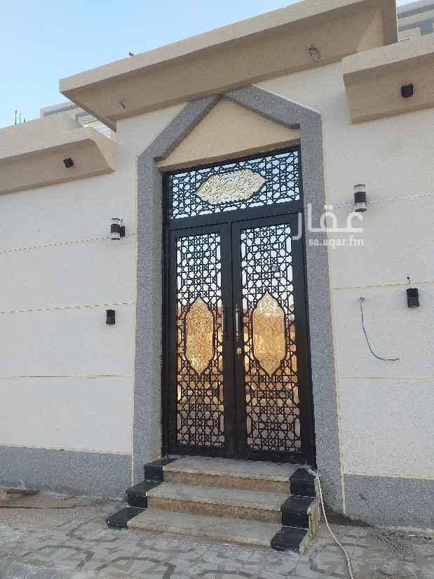 عمارة للبيع في شارع عبداالله بن عائذ ، حي قلعة مخيط ، المدينة المنورة ، المدينة المنورة