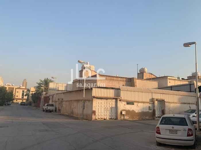 فيلا للبيع في شارع الامير حيدر الشهابي ، حي المربع ، الرياض