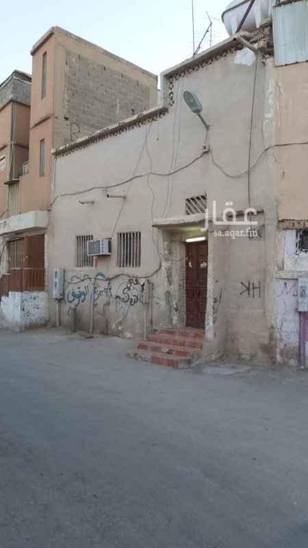 عمارة للبيع في شارع عباس المالكي ، حي البديعة ، الرياض ، الرياض